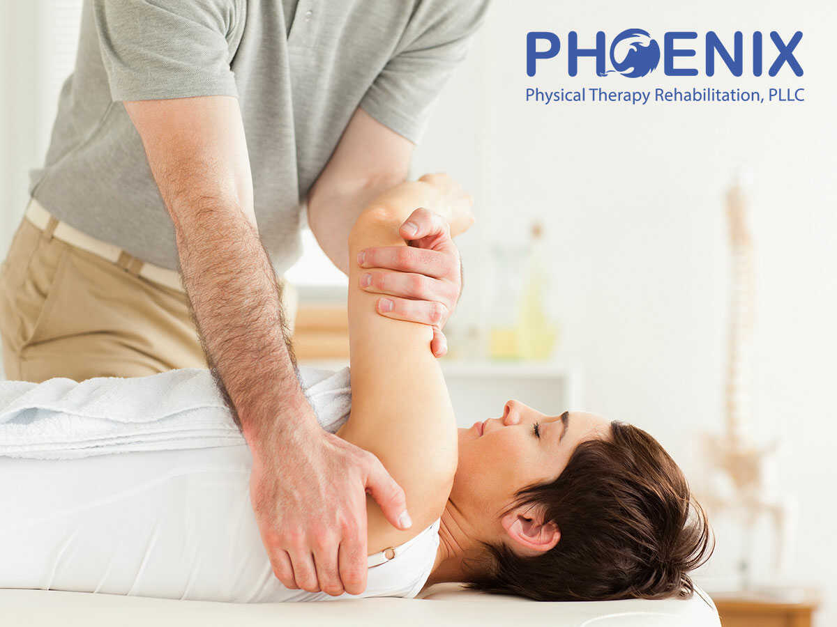 A woman with fibromyalgia receiving physiotherapy in Levittown, NY